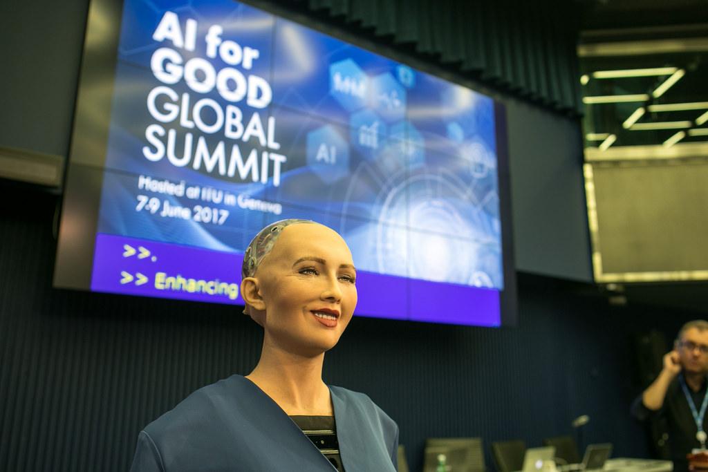 Sophia le robot, ou la chef de file d'une lignée de robots qui exterminera l'humanité ?
