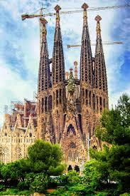 La Sagrada Familia, 140 ans d'illégalité !