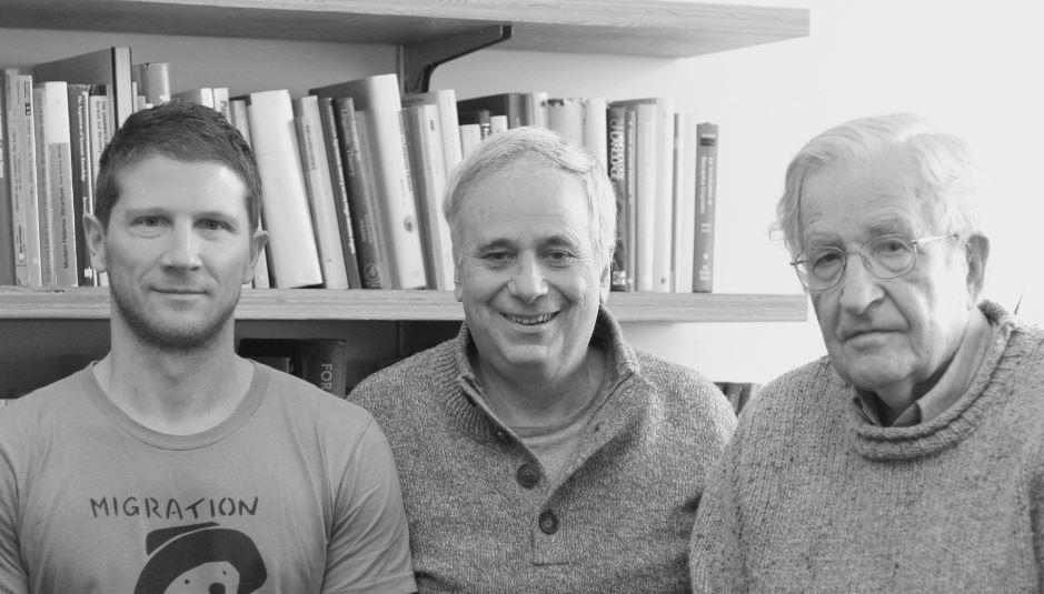 De gauché à droite: Frank Barat, Ilan Pappé et Noam Chomsky